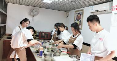 深圳横岗哪有咖啡培训学校学做樱桃克拉芙缇