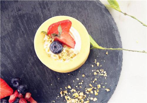 深圳宝安固戍饮品培训学校做水果蛋糕杯