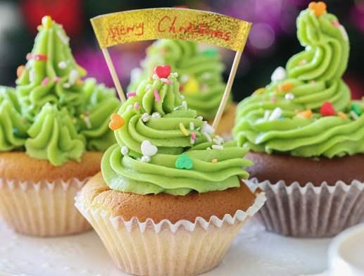 深圳宝安沙井学做蛋糕的学校哪家好做抹茶奶油圣诞树杯子