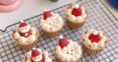 深圳妞妞西点学校教你做网红圣诞小蛋糕