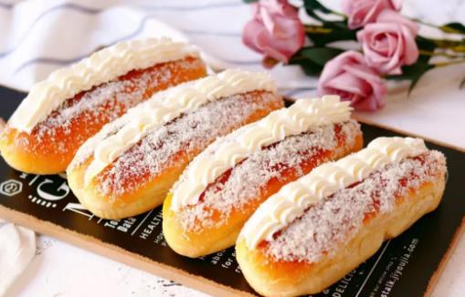 深圳烘焙培训学校教你做椰蓉奶油面包