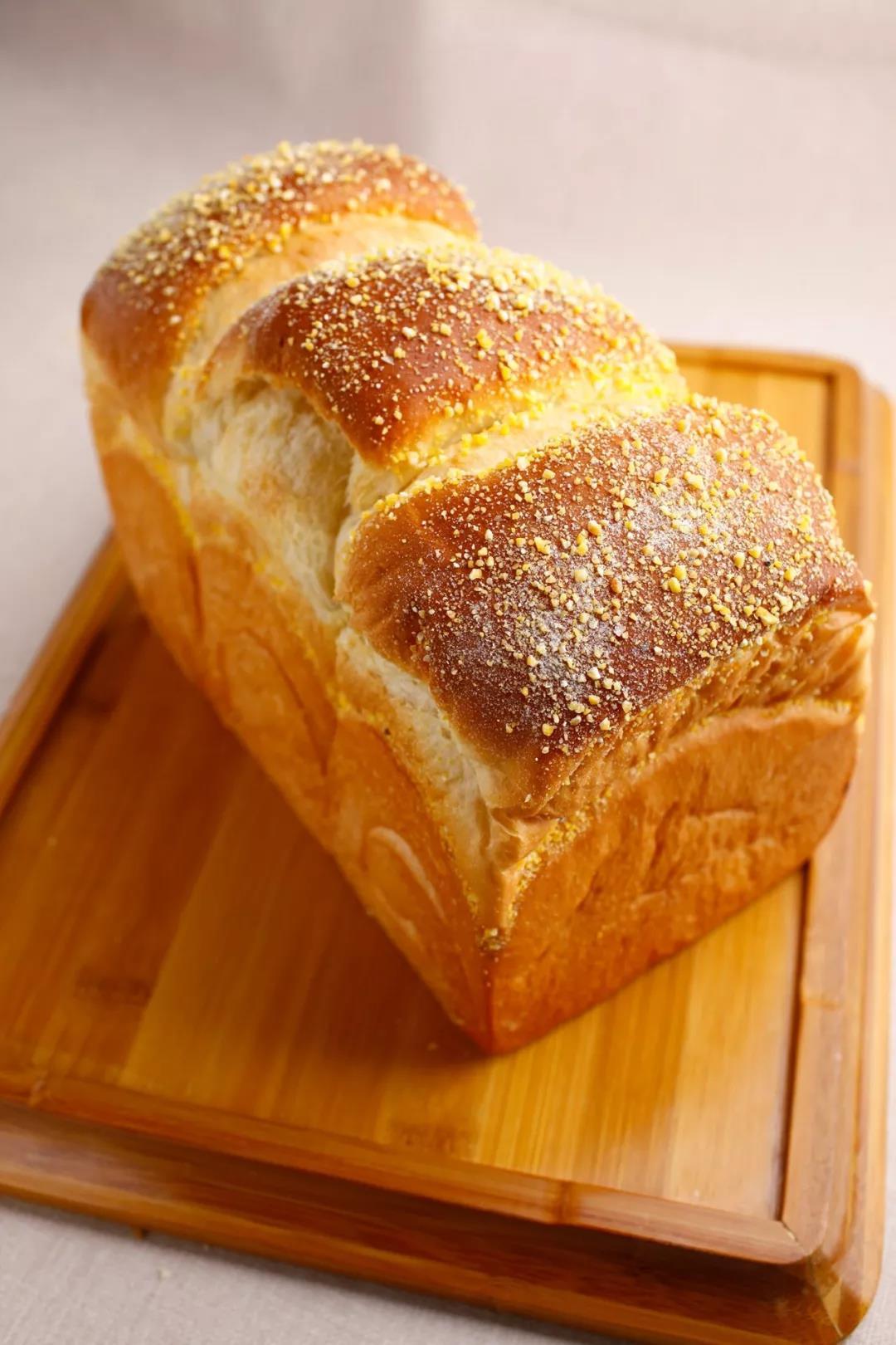 深圳西点学校教你做鲜奶面包